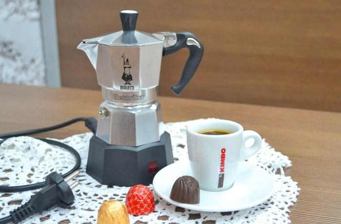 Machine à café ou turk.