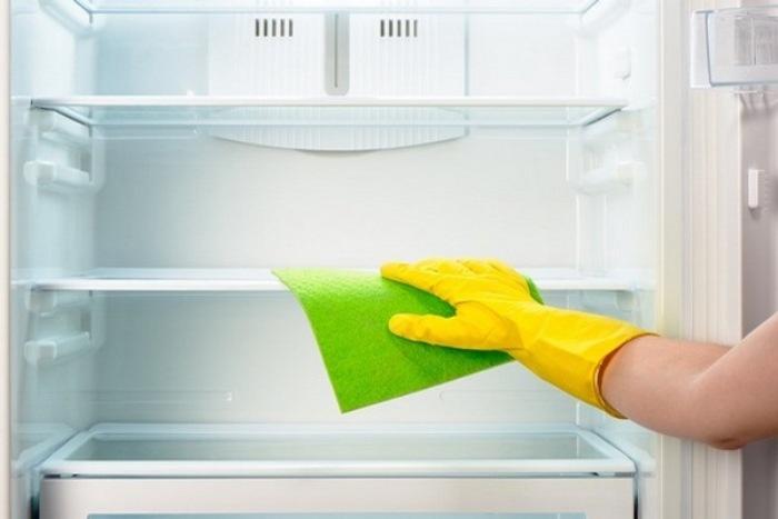 Odmrzavanje hladnjaka.