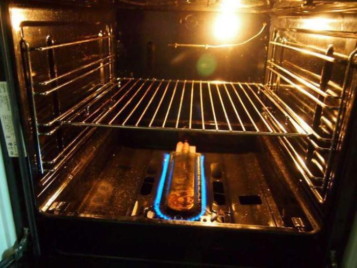 Buses dans une cuisinière à gaz.