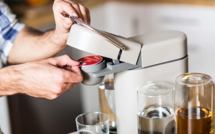 Machine à café sur les dosettes.