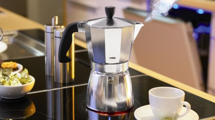 Cocktails dans une machine à café.