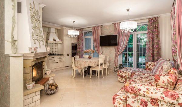 Canapé d'angle dans la cuisine dans le style de la Provence