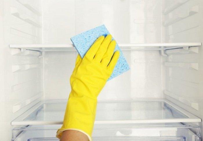 Čišćenje hladnjaka.