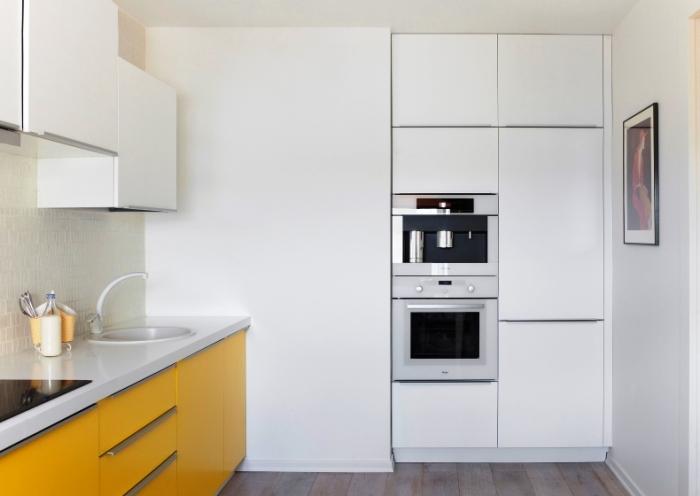 Le coût des réfrigérateurs.