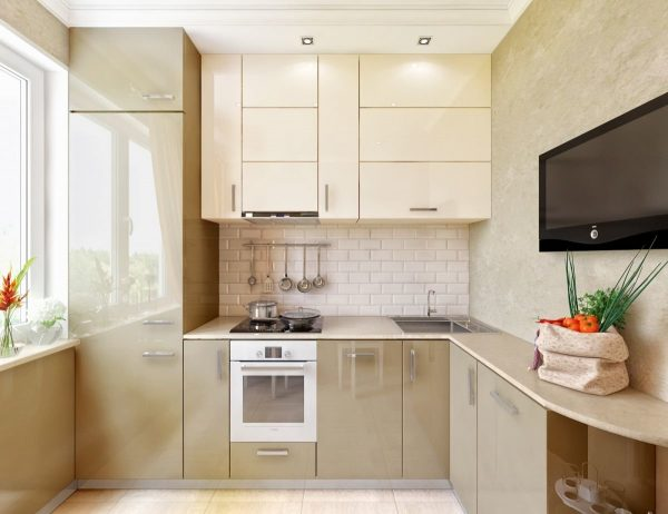 Bēša ir siltuma, mierīguma un komforta krāsa. Smilškrāsas virtuvē vienmēr valdīs miers un miers