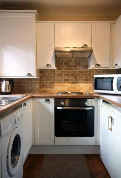 """Nelielā virtuvē ieteicams organizēt mēbeļu izvietojumu ar burtu """"G"""" vai """"P"""""""