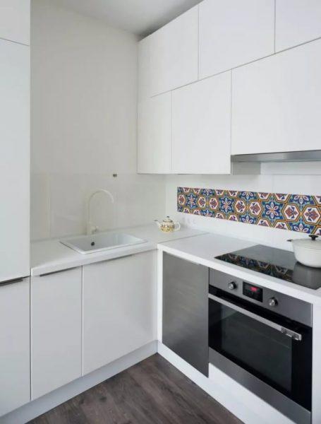 Minimālisms - ideāls virtuves stils Hruščovā