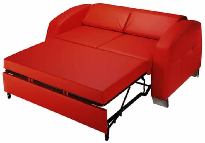 Canapé avec une couchette.