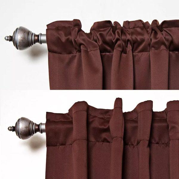 Grâce à l'utilisation du cordon, il est possible de masquer complètement les trous par lesquels passe la corniche