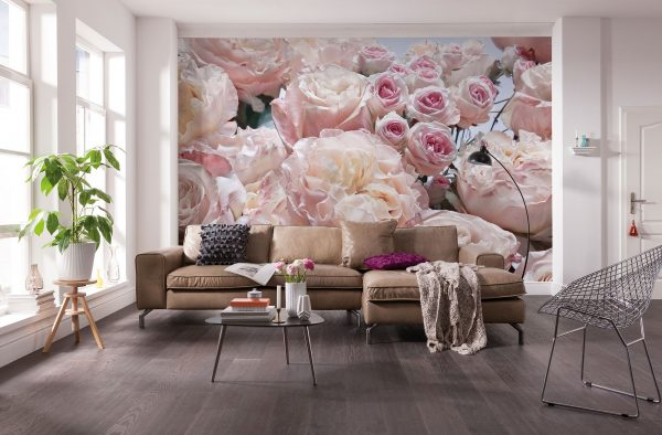 For a maximalist design, it is better to take wallpapers with large colors and with ethnic pictures.