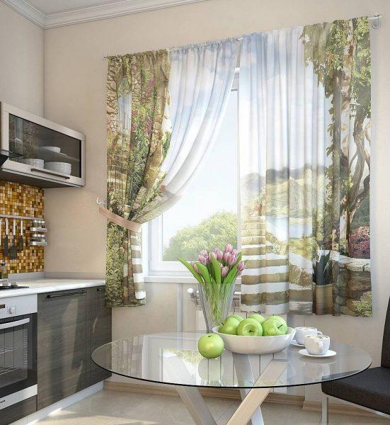 L'éclairage de la cuisine devrait être bon. Privilégiez les options jusqu'au rebord de la fenêtre, qui laissent bien pénétrer la lumière du soleil.