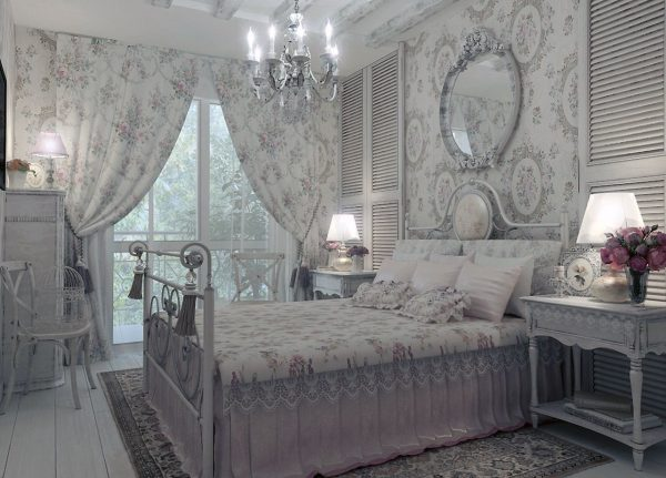 La tâche principale des rideaux est de souligner l'aristocratie et la respectabilité de l'intérieur. On utilise des tissus et des accessoires coûteux, des draperies et des gués volumineux.