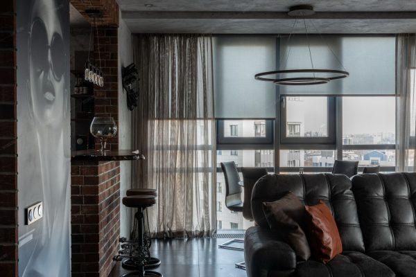Les rideaux sont considérés comme une option classique.