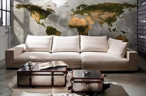 Kita madinga naujovė yra tapetai su geografinių žemėlapių įvaizdžiu. Populiariausias su lengvo šukės efektu.