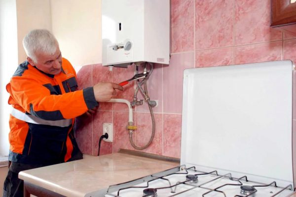 According to the law, it is impossible to independently replace and connect gas stoves in an apartment, this should be done by specialists