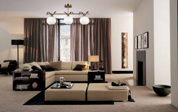 Lorsque vous choisissez un rideau, privilégiez les couleurs sombres.