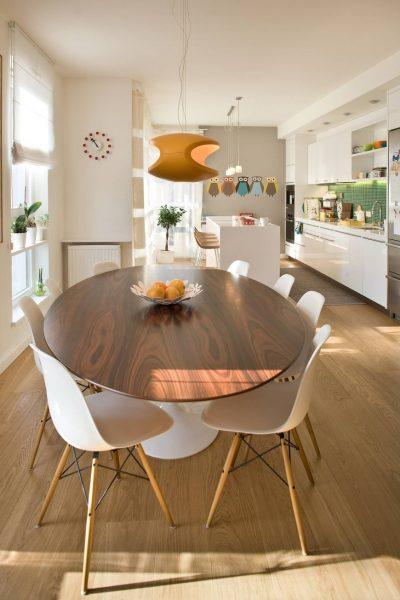 Table en bois s'intègre parfaitement dans tous les intérieurs