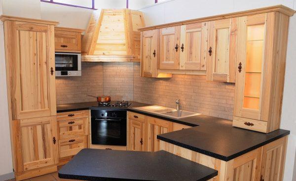 Comment faire des meubles de cuisine avec vos propres mains?