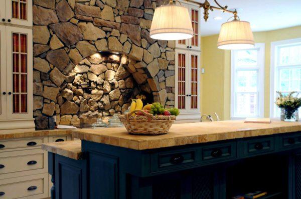 Le comptoir doit être en pierre artificielle ou naturelle, ainsi qu'un arbre.