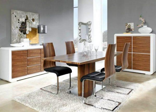 Le comptoir en placage est une mince section de bois d'élite collée sur un substrat en bois ou un panneau de particules.