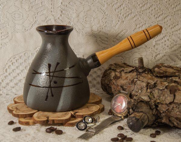 Ierīce kafijas pagatavošanai parādījās senajā pasaulē un ieguva turku vārdu.
