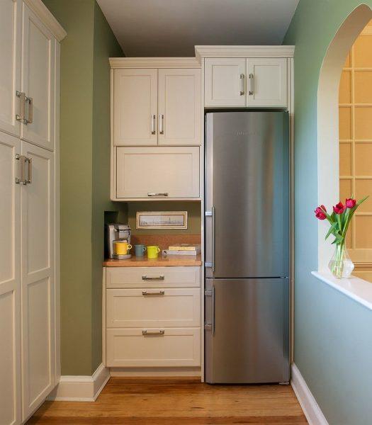 - Installez l'appareil dans un endroit où la lumière directe du soleil ne puisse pas tomber, loin des radiateurs et autres sources de chaleur;