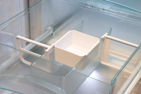 If there are traces of mold, be sure to treat all glass, plastic elements with an acetic solution.
